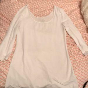 White 3/4 sleeve old navy shirt